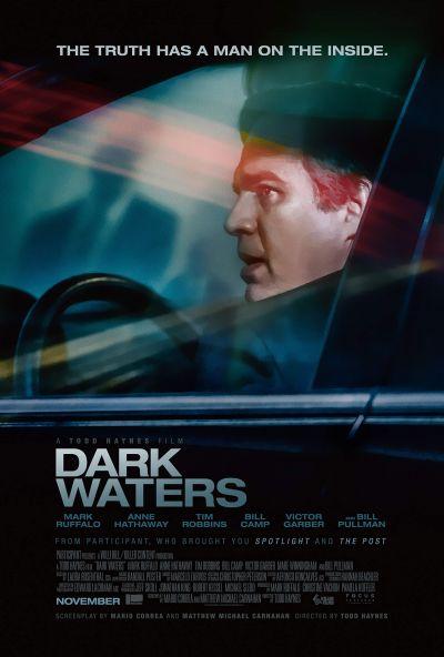 Sötét vizeken – Plakát